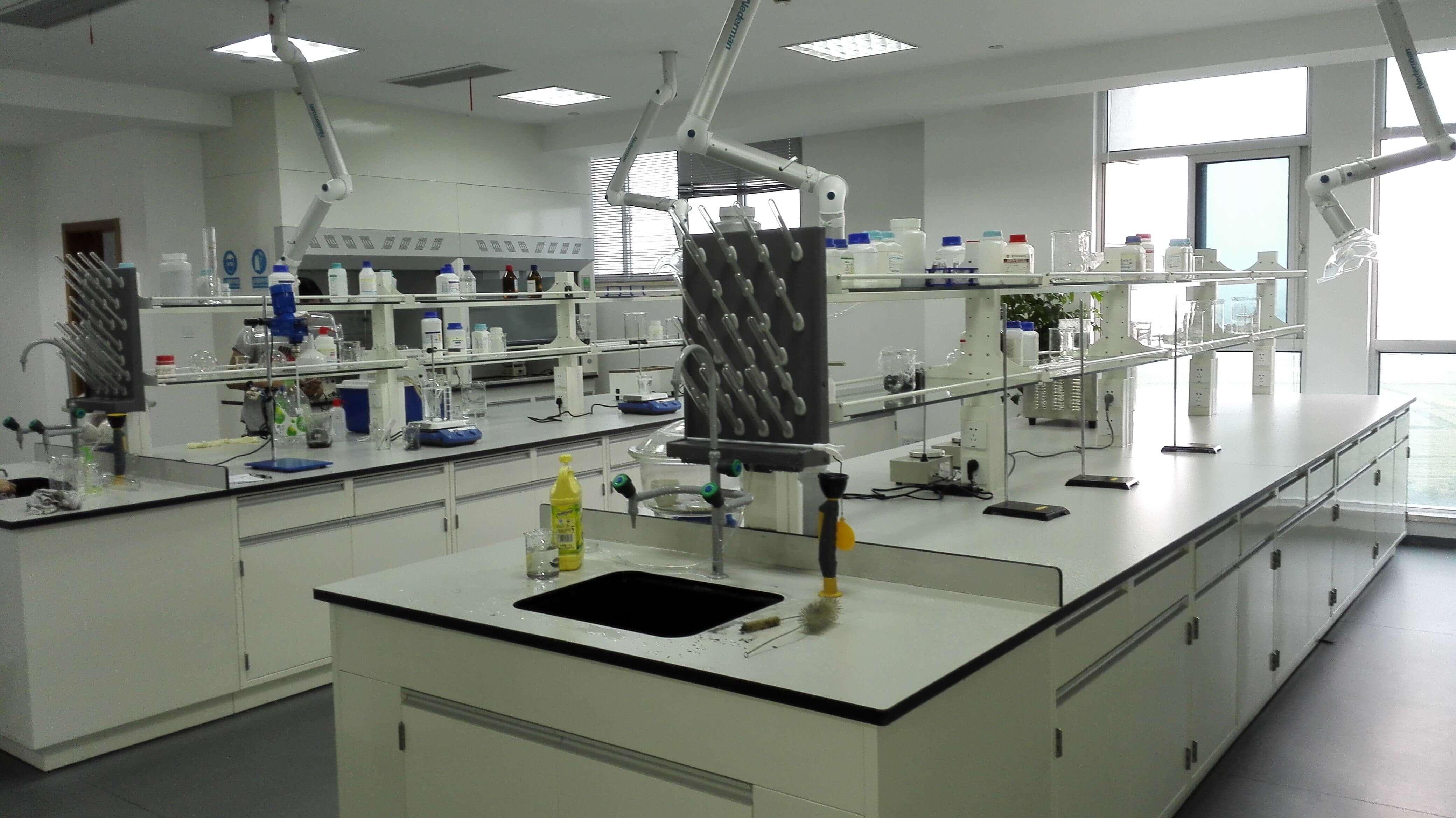 申江不锈钢储气罐在制药厂实验室的应用